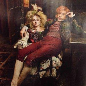 Imagem de 'Sacha Baron Cohen & Helena Bonham Carter'