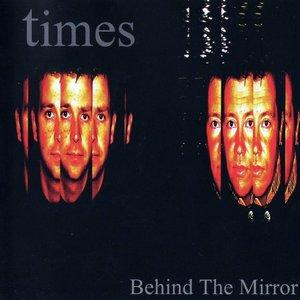 Imagem de 'Behind the Mirror'