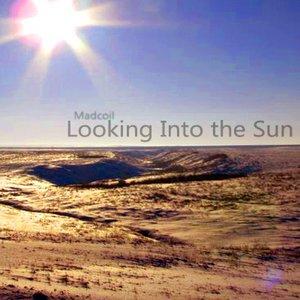 Imagem de 'Looking Into The Sun'