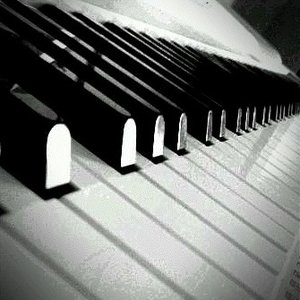 Image for 'Somewhere Over The Rainbow (Piano Cover)'