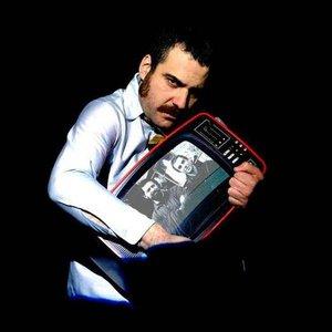 Immagine per 'Eladio y Los Seres Queridos'