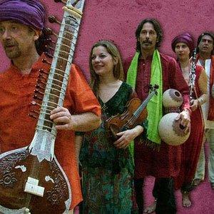 Image for 'Jirafas En La India'