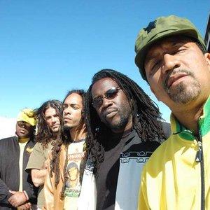 Bild för 'Band of Brotherz'