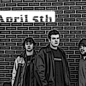 Bild för 'April 5th'