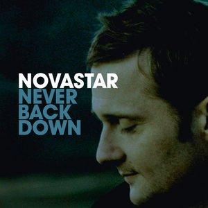 Bild für 'Never Back Down'
