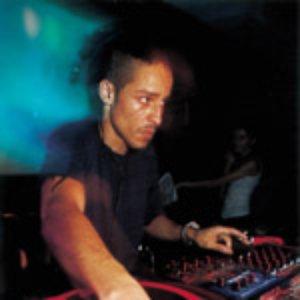 Image pour 'DJ SUV'