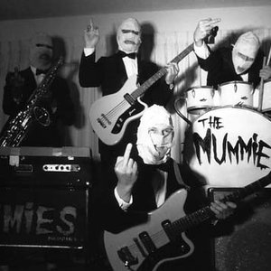 """The Mummies""的封面"
