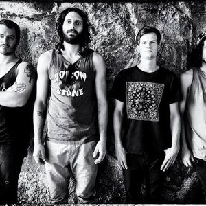 Imagem de 'All Them Witches'