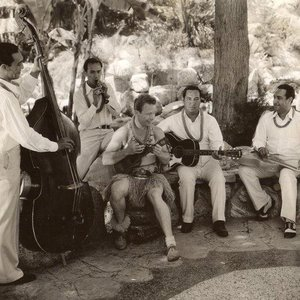 Imagem de 'Dick McIntire & His Harmony Hawaiians'