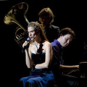 Imagem de 'Ot Azoy Klezmerband & Natalia Rogalski'