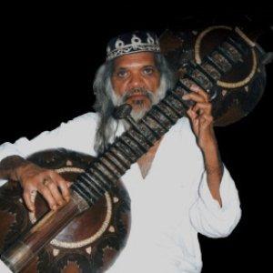 Bild für 'Shamsuddin Faridi Desai'