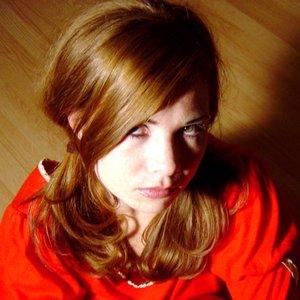 Bild für 'Tara Busch'