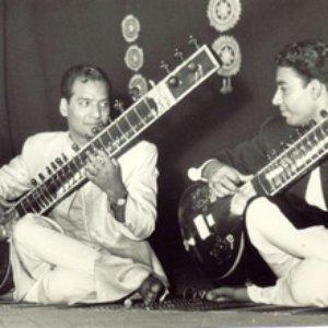 Immagine per 'Vilayat Khan & Imrat Khan'