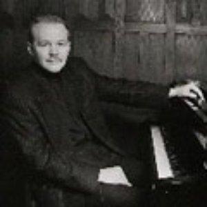 Bild für 'László Simon'