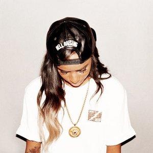 Bild för 'Female rapper'