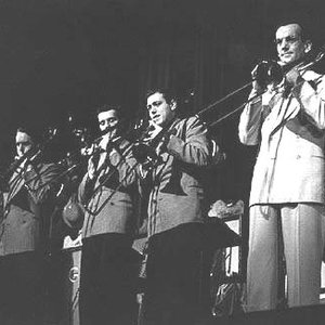 Image for 'The Glenn Miller Orchestra'