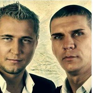 Imagem de 'DJ Riga &  MC Zhan'