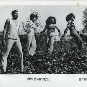 Image pour 'Apple & The Three Oranges'