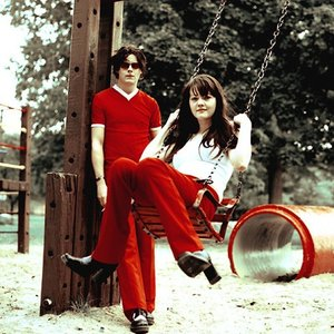 Image for 'The White Stripes'