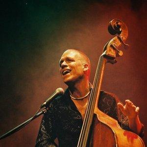 Imagem de 'Avishai Cohen Trio'