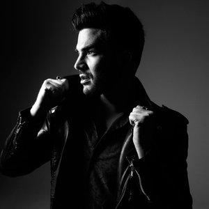 Immagine per 'Adam Lambert'