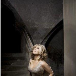 Image for 'Lesley Garrett'
