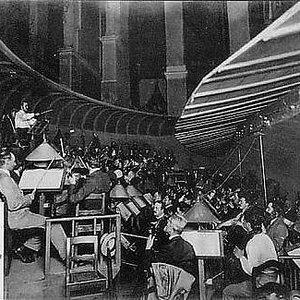Image for 'Herbert Von Karajan, Bernd Aldenhoff, Astrid Varnay, Sigurd Björling, Paul Kuen, Heinrich Pflanzl, Friedrich Dalberg, Ruth Siewert, Wilma Lipp, Orchester der Bayreuther Festspiele'