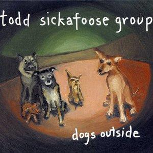 Imagen de 'Dogs Outside'