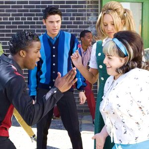 Immagine per 'Zac Efron, Nikki Blonsky, Elijah Kelley and Amanda Bynes'
