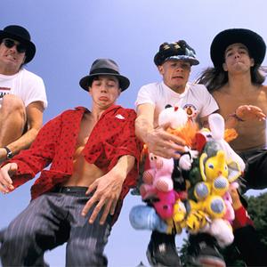 Dark Necessities - Red Hot Chili Peppers - Testo & Lyrics height=