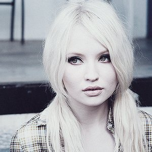 Image for 'Emily Browning'