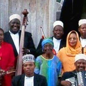 Imagem de 'Taj Mahal Meets The Culture Musical Club Of Zanzibar'