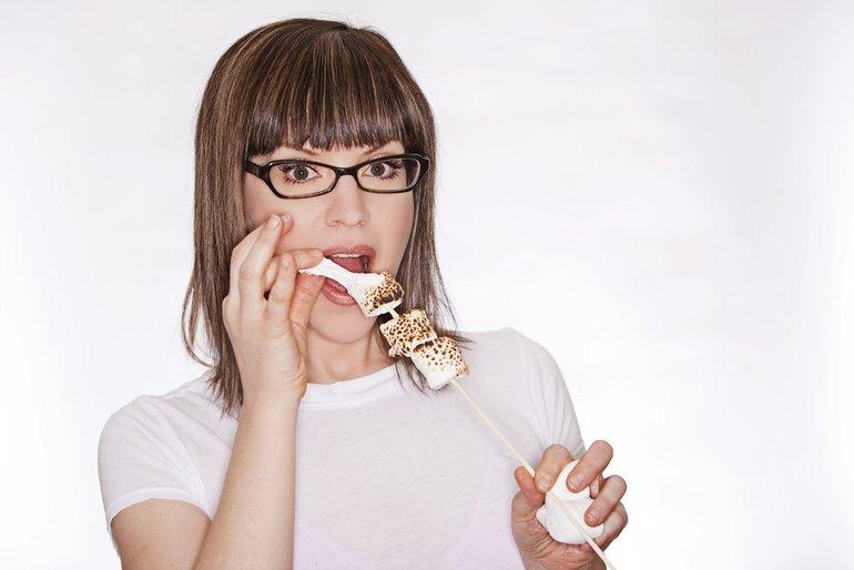 Lisa Loeb by Justine Ungaro