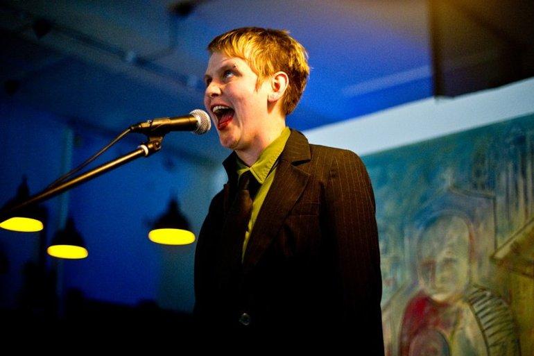 Zorras at Words Per Minute (Glasgow), 2010.