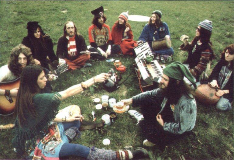images de hippies - Page 8 62a56e045b914e4e8ef5d8d79765a030