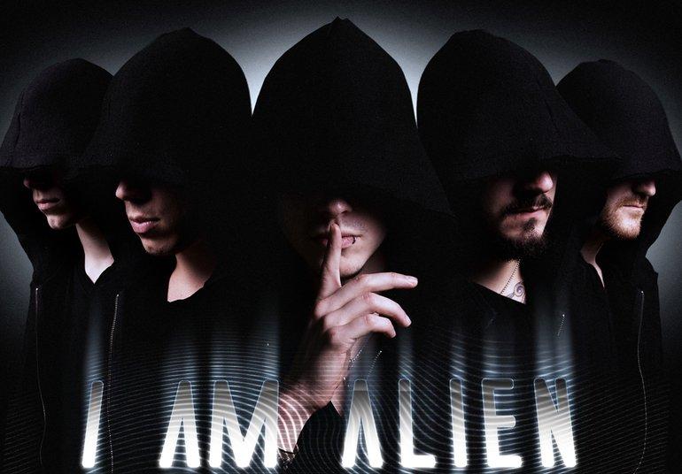 I AM ALIEN