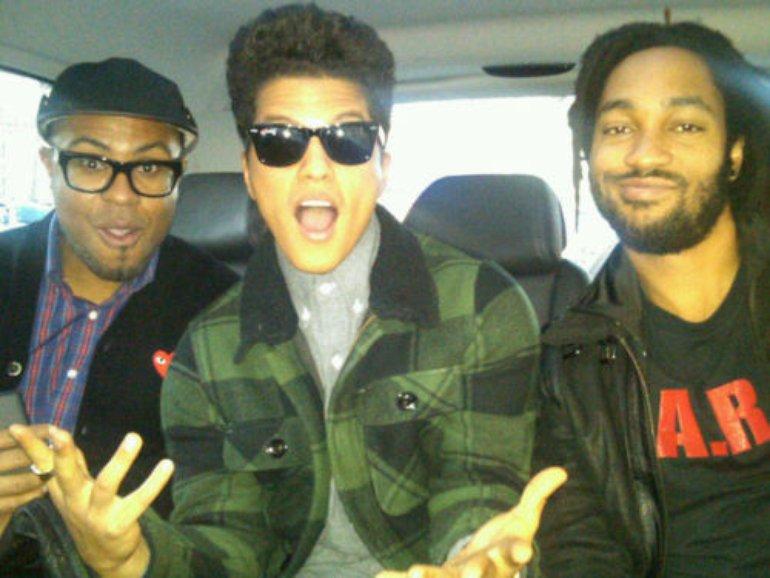 Bruno,Phil & Phredley bockin in Paris