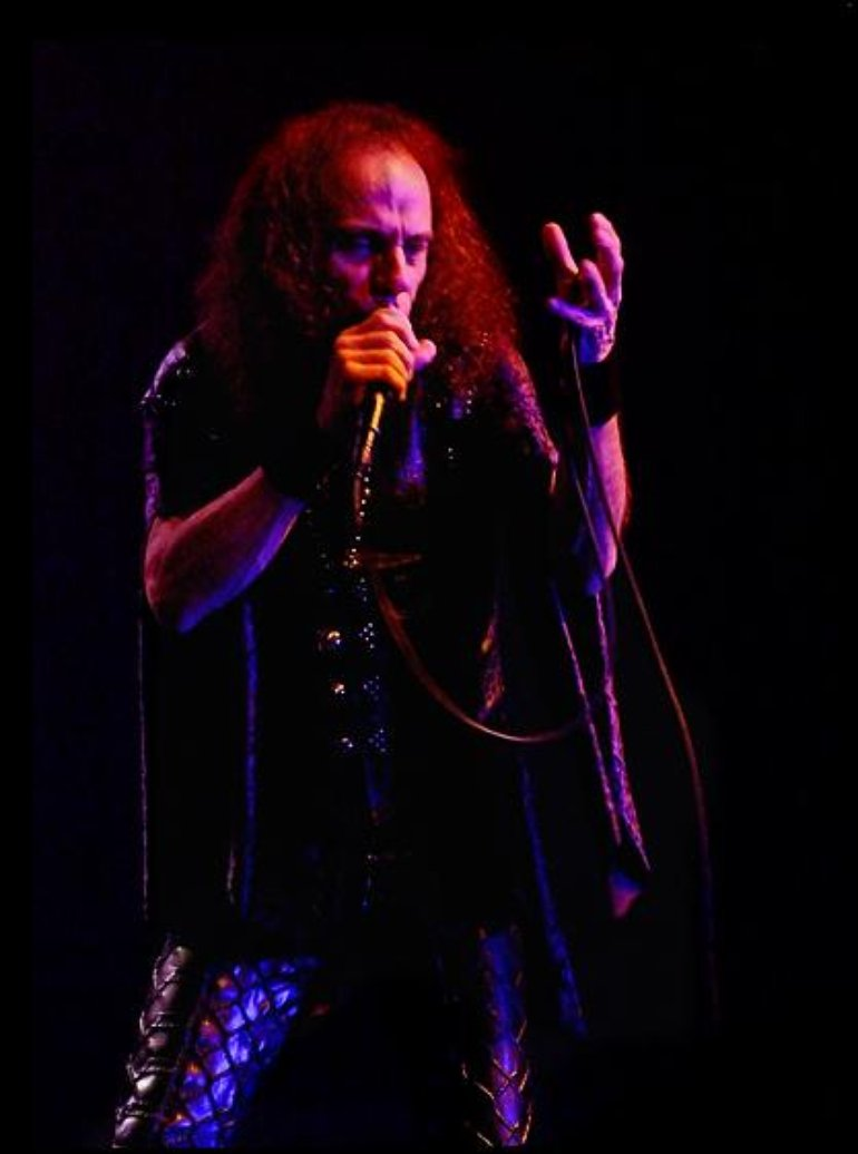 DIO live (red hue)