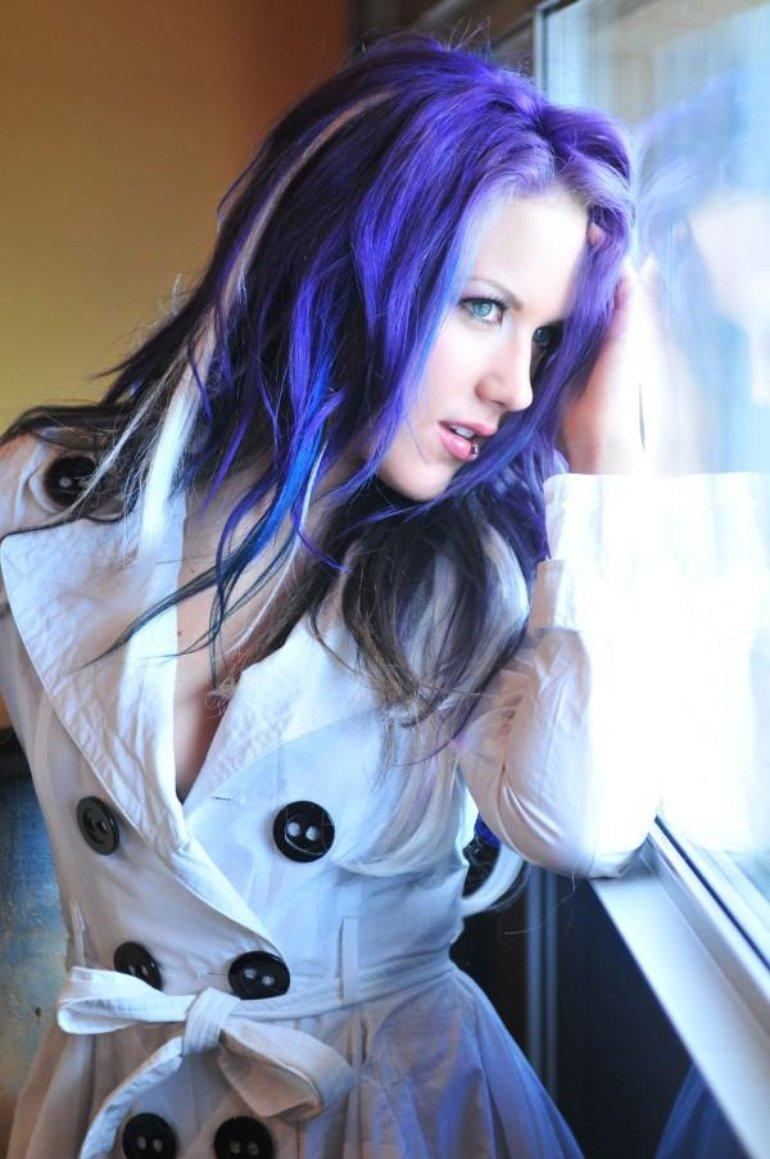 Alissa White-Gluz Revolver Magazine6