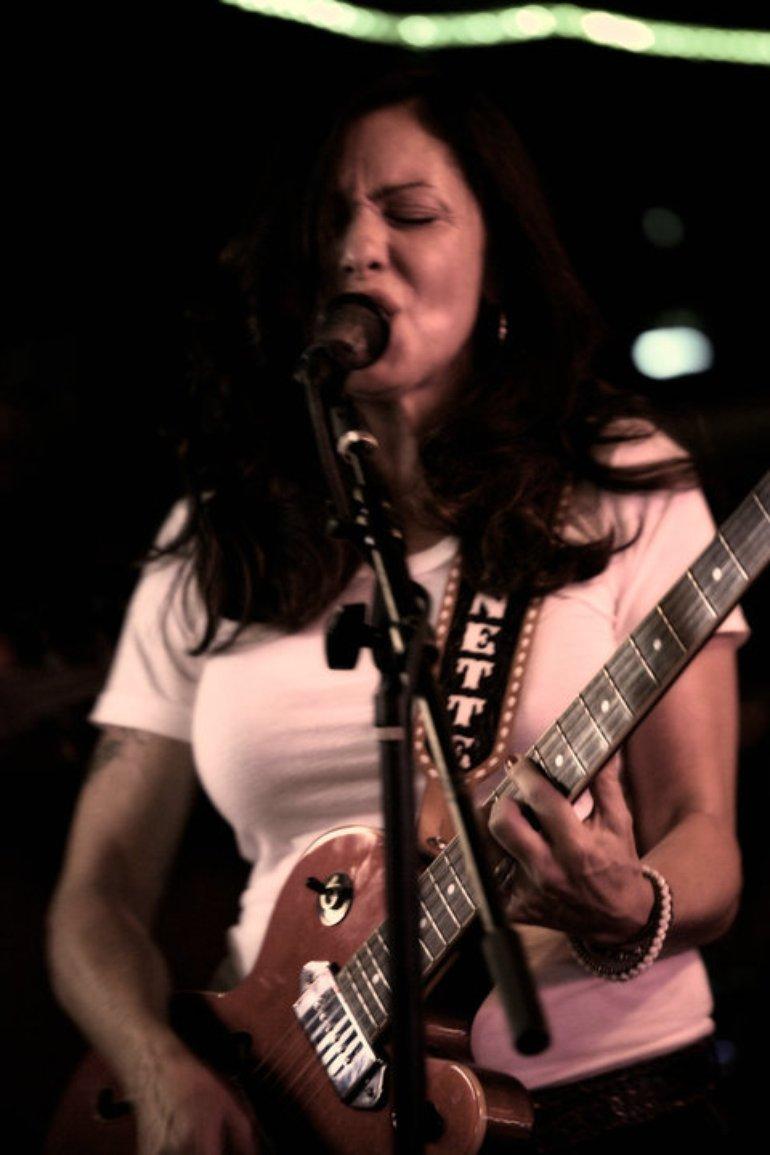 Jeanette Rocking