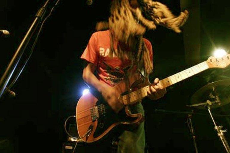 MIKE live at Tantogården 2006