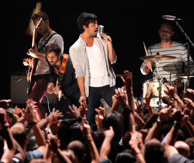Young_The_Giant_VMA's2011
