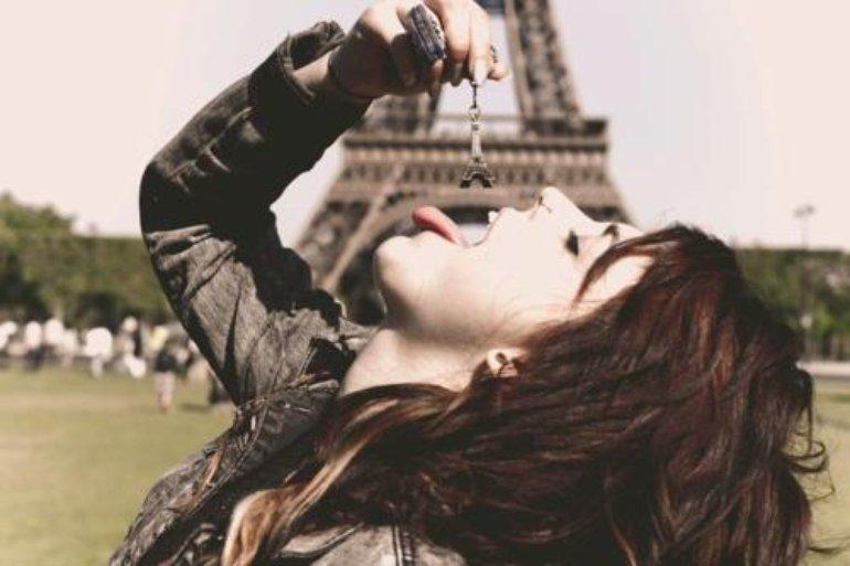 Sierra eating the Eiffel tower