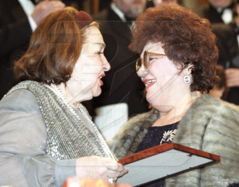 Irina Arkhipova (left) presents first prize and gold medal to opera singer and People's Artist of the U.S.S.R. Maria Biesu.