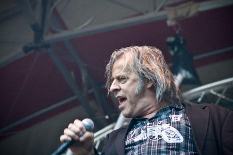 live @ Torenpop 2008 by Lukas Broekhuis