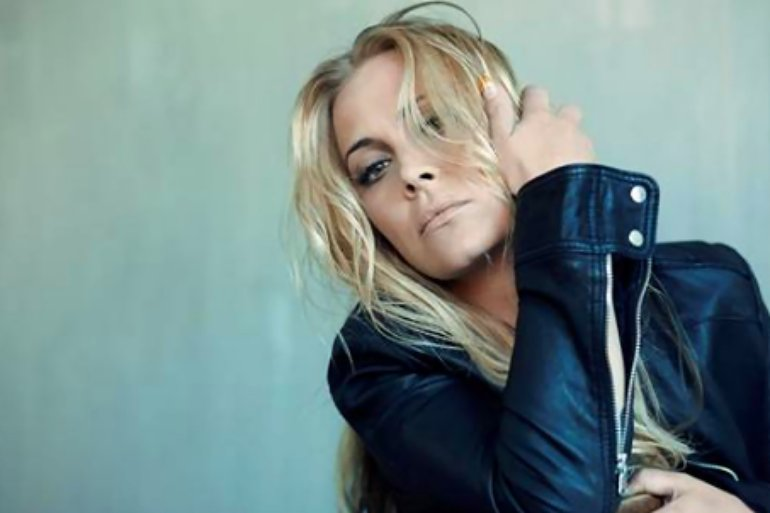 Anouk For Bitter Or Worse (4)