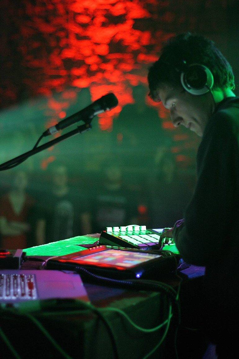 Pogo live - Fall 2011 US Tour 4