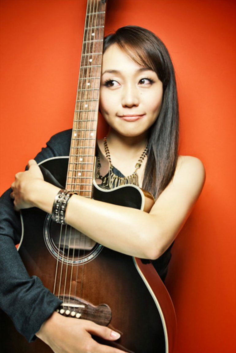 矢井田瞳 2011 promo (red)