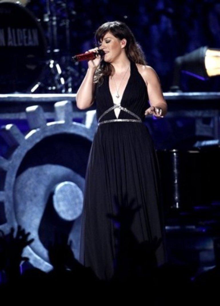 Kelly Clarkson   Grammy Awards 2012