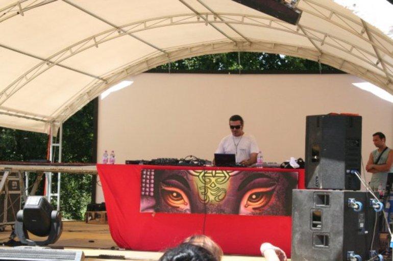 Journey @ Reloaded Festival, Italy 2009
